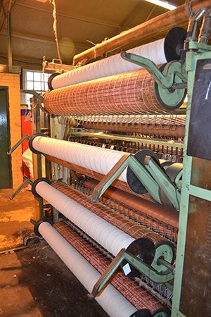 Woollen mill - pencil rovings machine